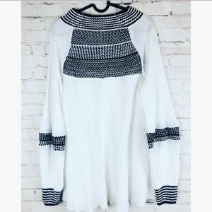 Free people white and black Flowy knit sweater L